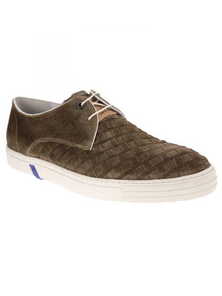 Sneaker in Braun